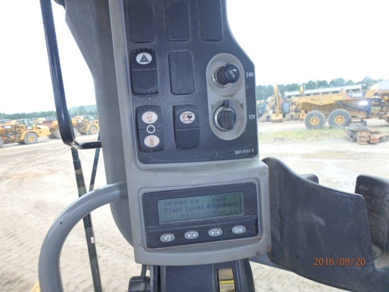 Caterpillar AUTOGREDERE 12M equipment  photo 10