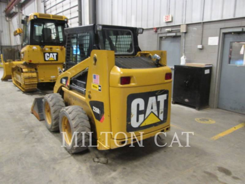 CATERPILLAR SKID STEER LOADERS 226B 3 equipment  photo 3