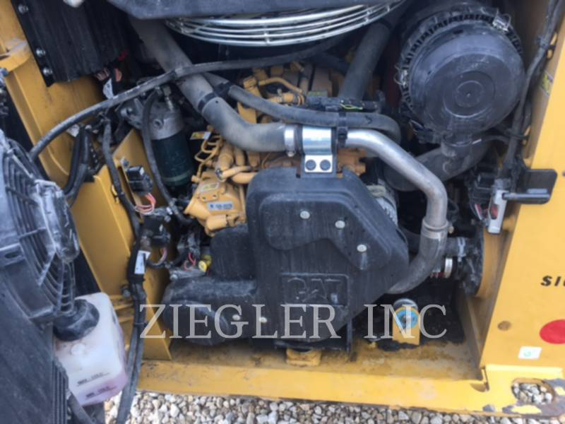 CATERPILLAR CHARGEURS COMPACTS RIGIDES 226DSR equipment  photo 4