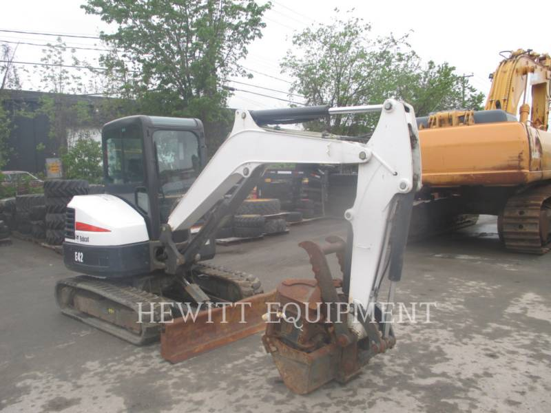 BOBCAT TRACK EXCAVATORS E42 equipment  photo 2