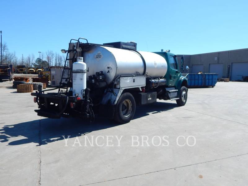 FREIGHTLINER CAMIONS ROUTIERS M2106 equipment  photo 6