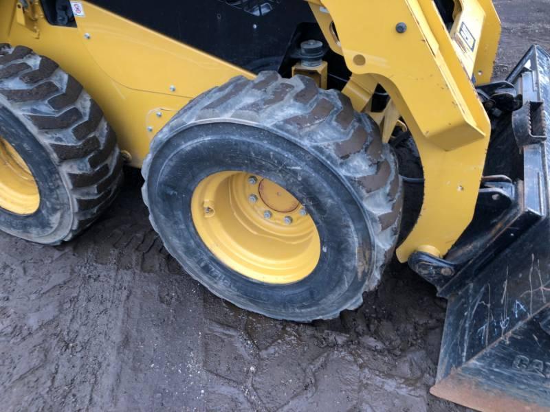 CATERPILLAR ŁADOWARKI ZE STEROWANIEM BURTOWYM 236D equipment  photo 9