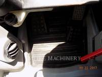 CATERPILLAR PALE CINGOLATE MULTI TERRAIN 299D equipment  photo 19