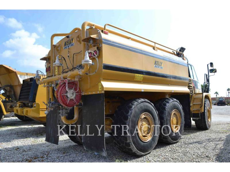 CATERPILLAR CAMIONES DE AGUA 725 equipment  photo 2