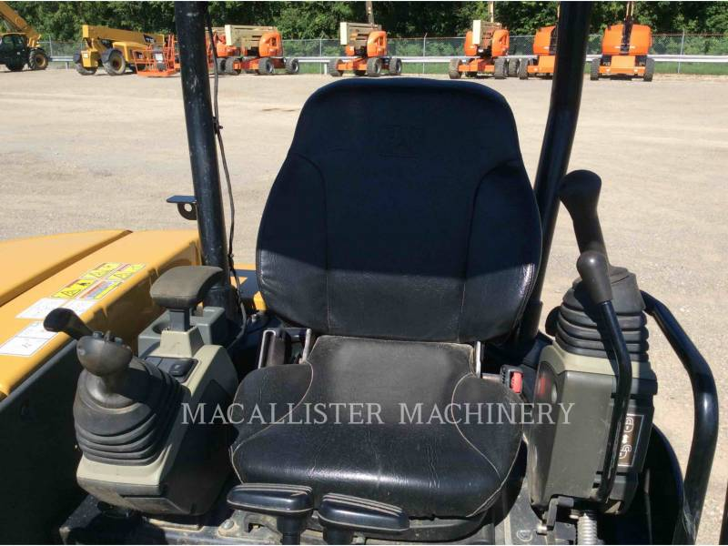 CATERPILLAR EXCAVADORAS DE CADENAS 305.5E2CR equipment  photo 12