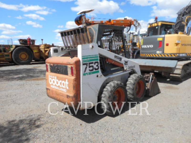 BOBCAT KOMPAKTLADER 753 equipment  photo 2