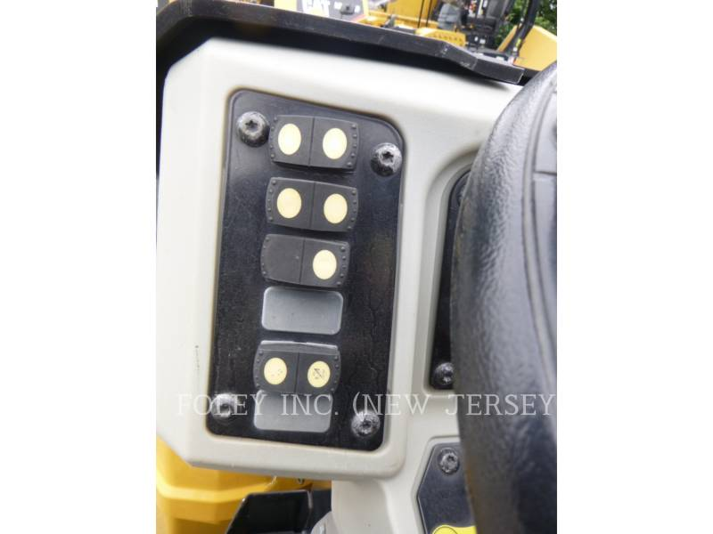 CATERPILLAR COMPATTATORE PER ASFALTO A DOPPIO TAMBURO VIBRANTE CB24B equipment  photo 11