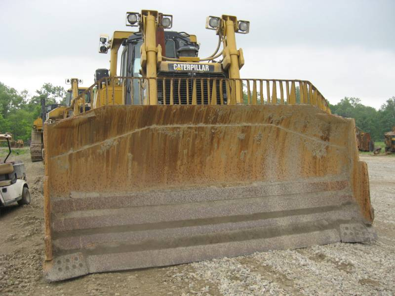 CATERPILLAR BERGBAU-KETTENDOZER D9T equipment  photo 4