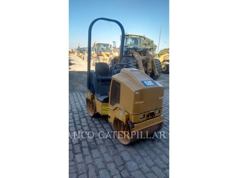 CATERPILLAR ROLO COMPACTADOR DE ASFALTO DUPLO TANDEM CB14B equipment  photo 1