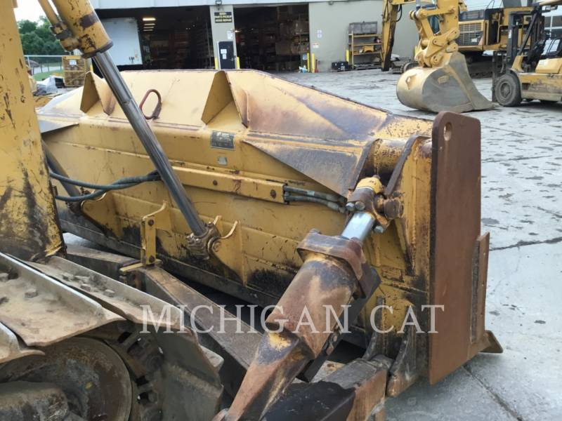 CATERPILLAR TRACK TYPE TRACTORS D6RX equipment  photo 13