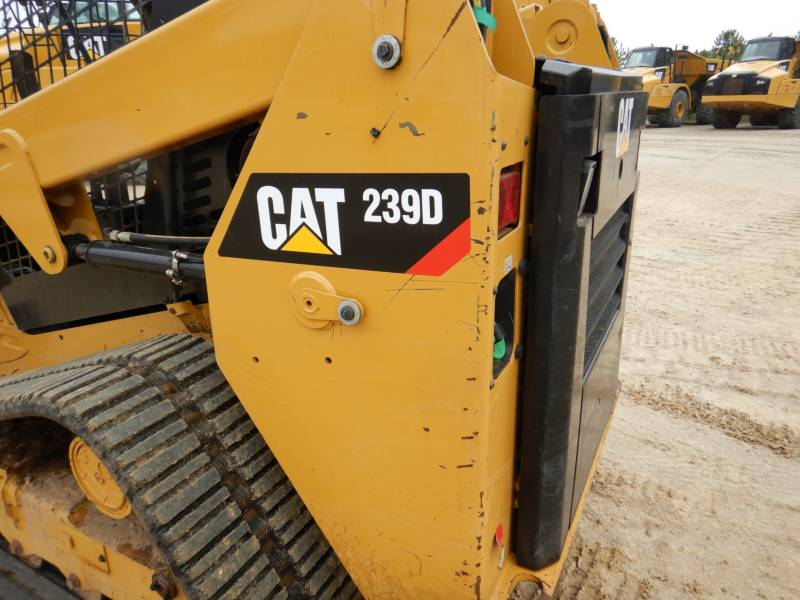 CATERPILLAR DELTALADER 239D equipment  photo 22