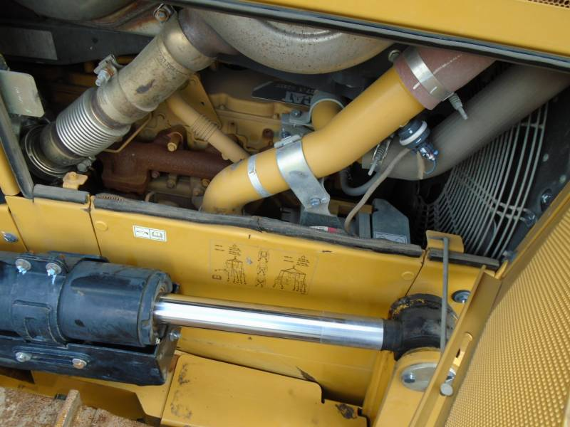 CATERPILLAR TRACK TYPE TRACTORS D6NLGP equipment  photo 8