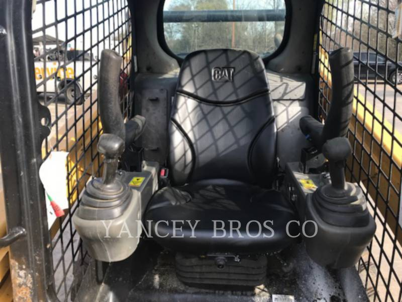 CATERPILLAR SKID STEER LOADERS 242D PDC equipment  photo 8