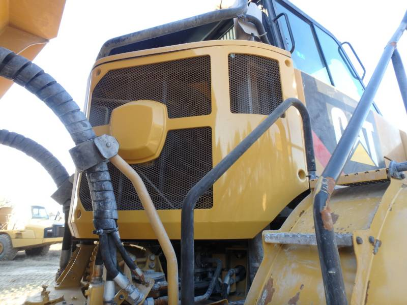 CATERPILLAR KNICKGELENKTE MULDENKIPPER 745C equipment  photo 19