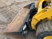 CATERPILLAR SKID STEER LOADERS 242D equipment  photo 15
