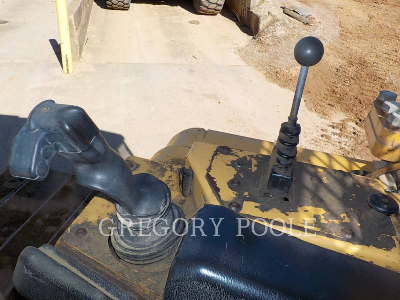 CATERPILLAR TRACTORES DE CADENAS D6NLGP equipment  photo 23