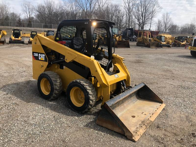 CATERPILLAR CHARGEURS COMPACTS RIGIDES 236D equipment  photo 16