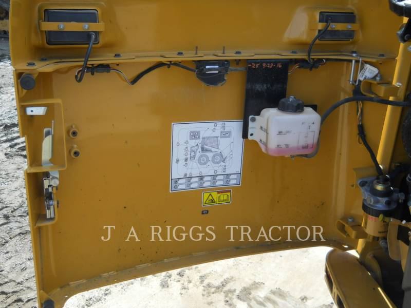 CATERPILLAR CHARGEURS COMPACTS RIGIDES 226B equipment  photo 15