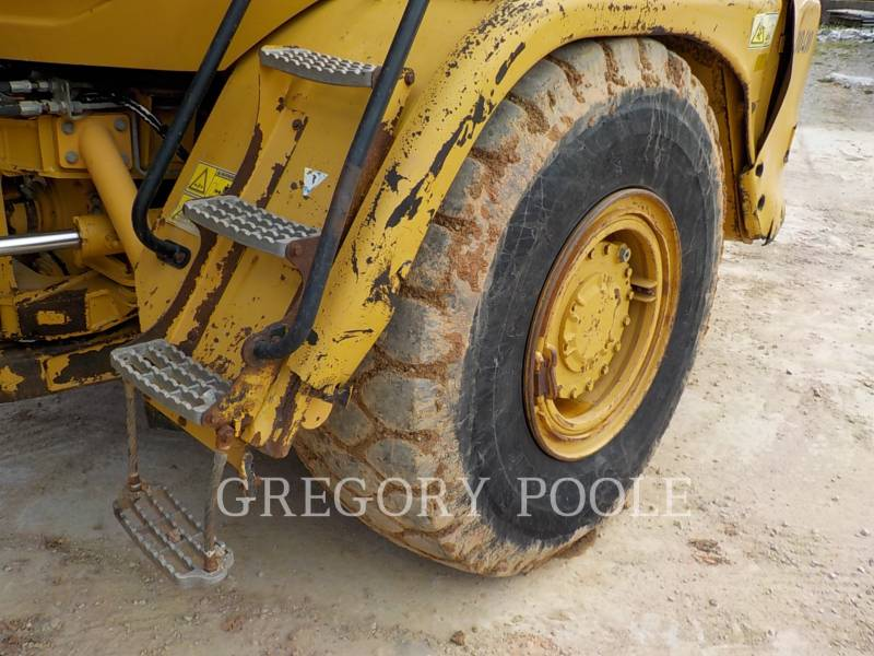 CATERPILLAR CAMIONES ARTICULADOS 725 equipment  photo 21