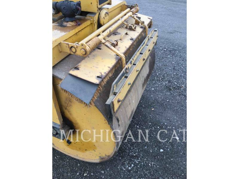 HYPAC VIBRATORY DOUBLE DRUM ASPHALT C330B equipment  photo 12