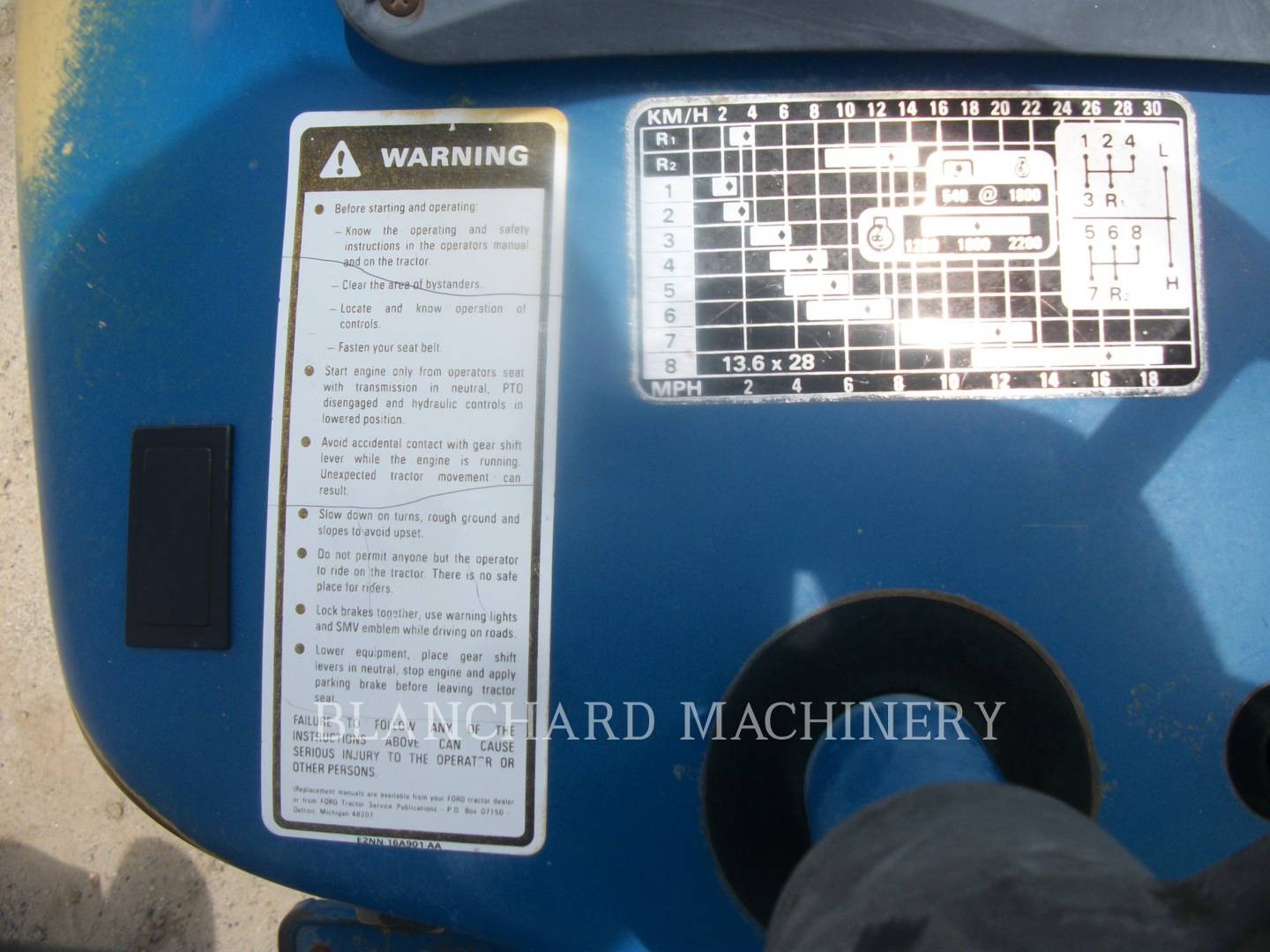 Detail photo of 1990 Ford 3910 from Construction Equipment Guide