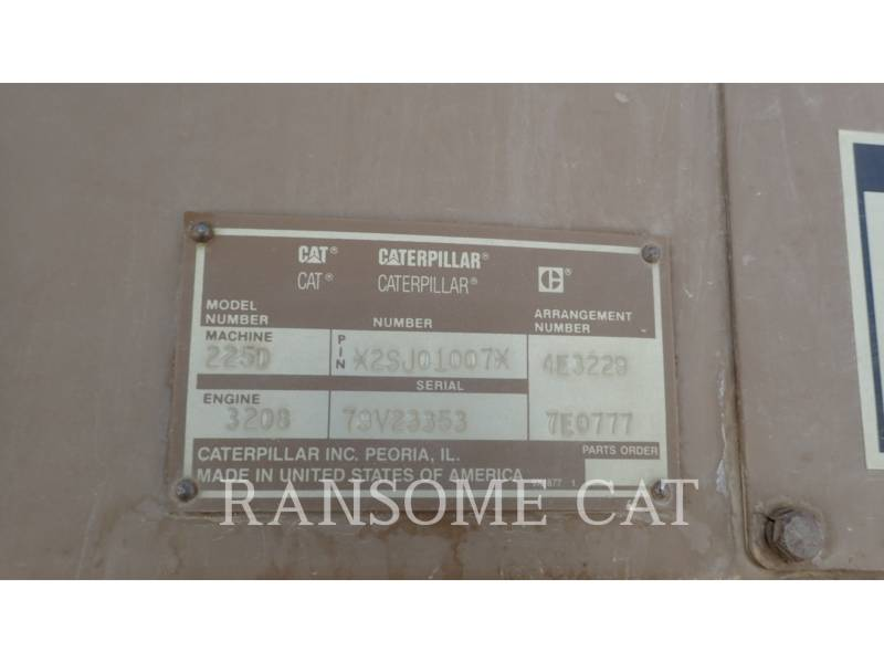 CATERPILLAR TRACK EXCAVATORS 225DLC equipment  photo 8