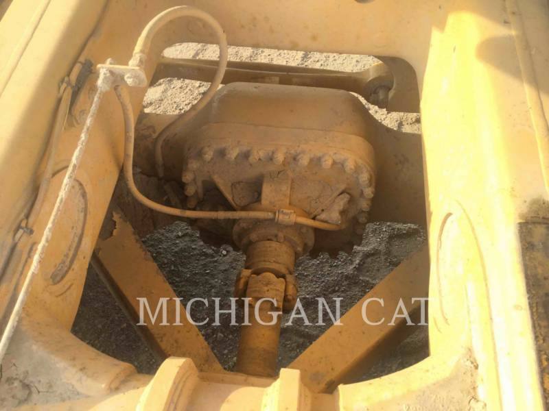CATERPILLAR ARTICULATED TRUCKS 740 T equipment  photo 12