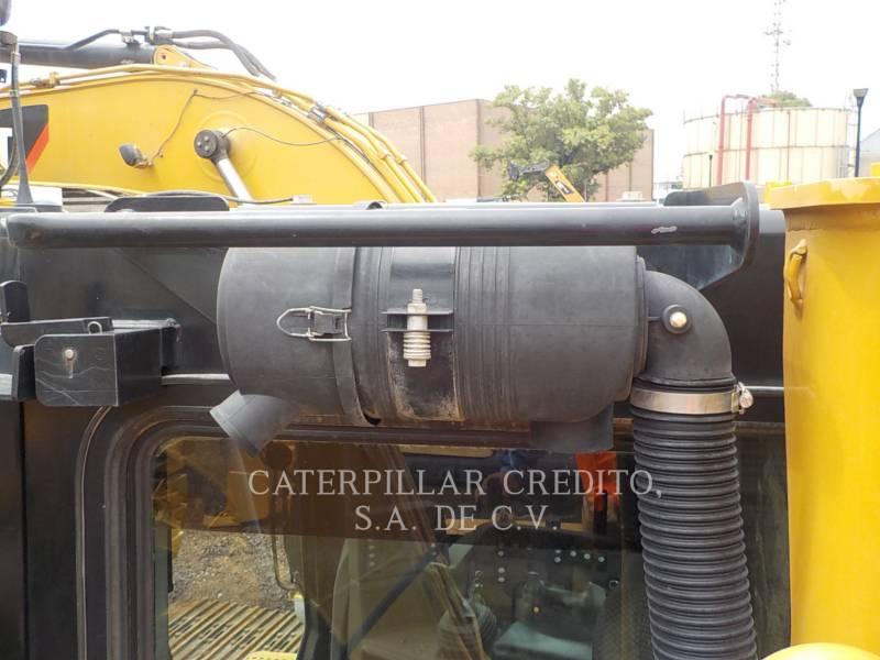 CATERPILLAR CIĄGNIKI GĄSIENICOWE D8T equipment  photo 14