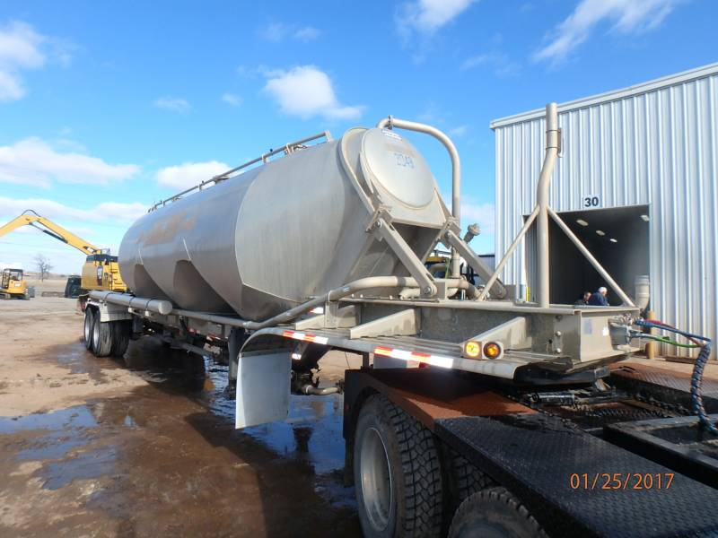 OTHER US MFGRS TRAILERS TANKER equipment  photo 2