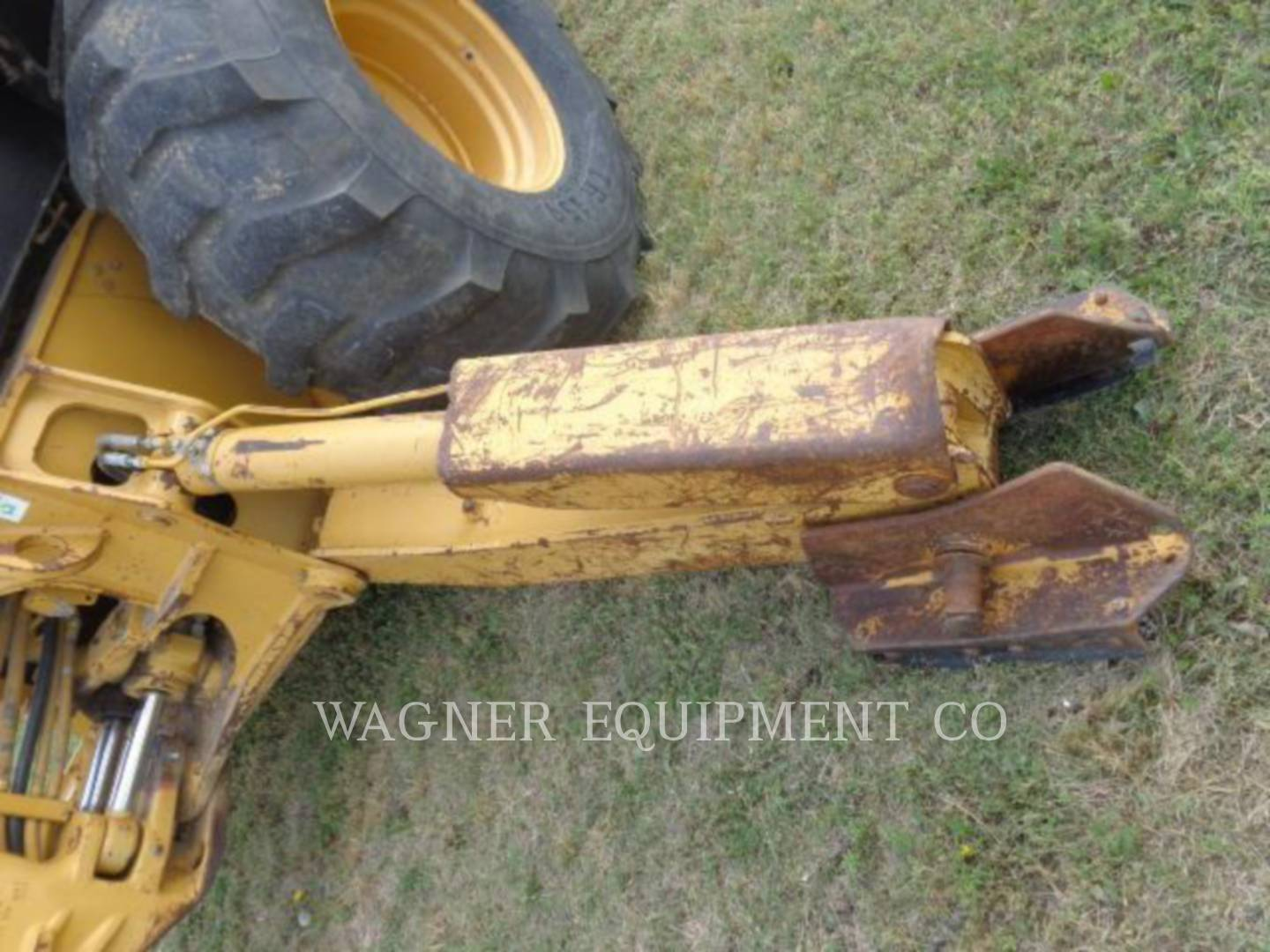 Detail photo of 1998 Caterpillar 446B from Construction Equipment Guide