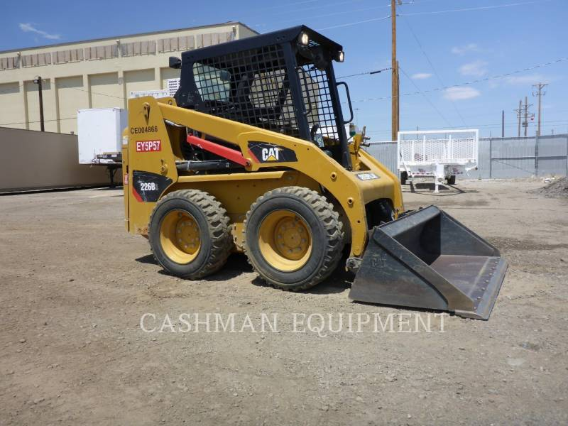 CATERPILLAR SKID STEER LOADERS 226B3 equipment  photo 2