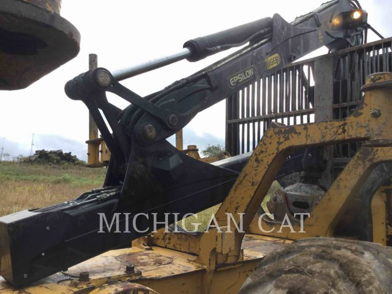 CATERPILLAR FORESTAL - TRANSPORTADOR DE TRONCOS 584 equipment  photo 16