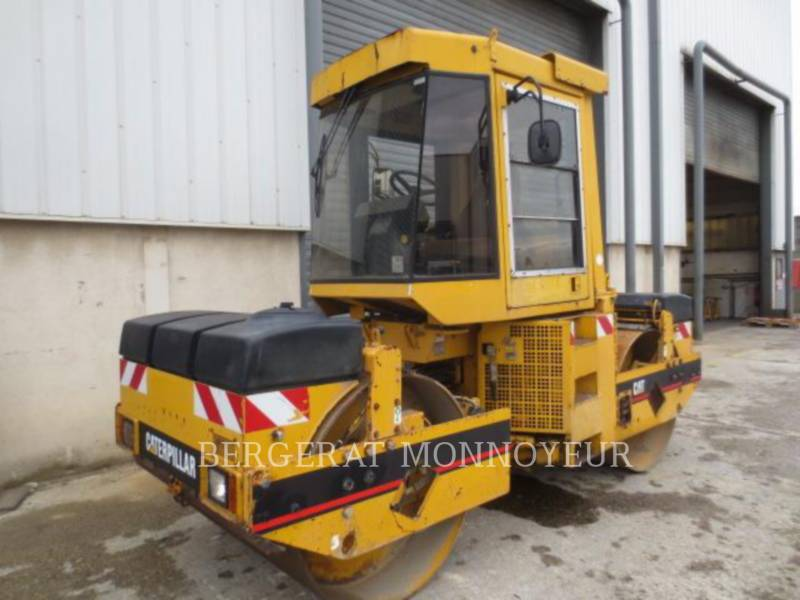 CATERPILLAR TANDEMVIBRATIONSWALZE, ASPHALT CB-434B equipment  photo 1