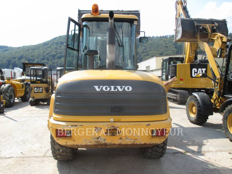 VOLVO CONSTRUCTION EQUIPMENT PALE GOMMATE/PALE GOMMATE MULTIUSO L40B equipment  photo 5