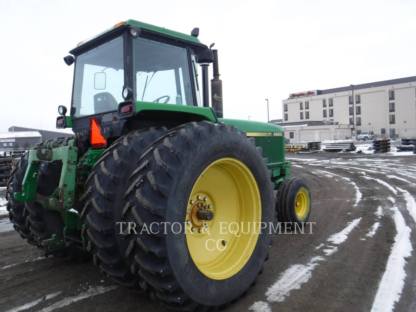 Detail photo of 1984 John Deere 4850 from Construction Equipment Guide
