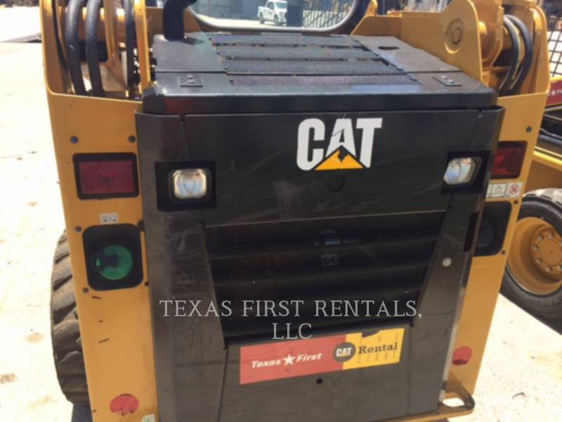CATERPILLAR SKID STEER LOADERS 226 D equipment  photo 3