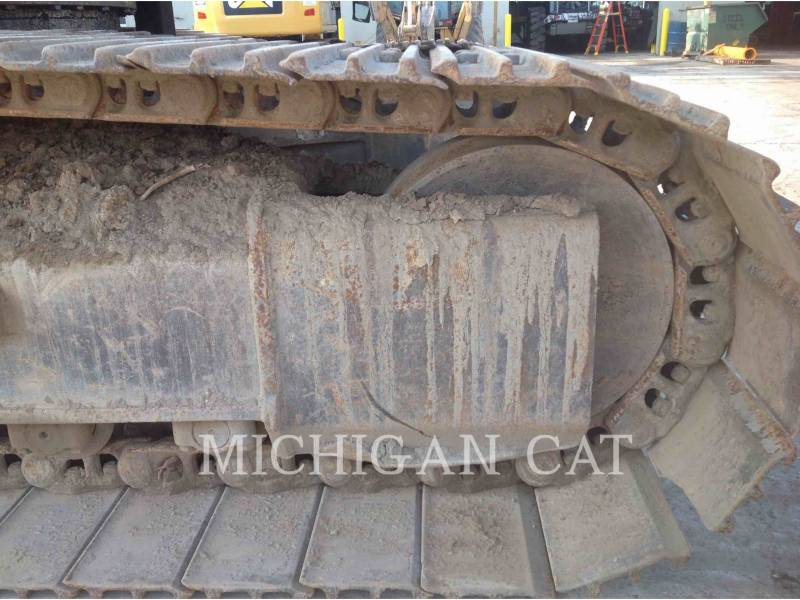 CATERPILLAR TRACK EXCAVATORS 330L equipment  photo 12