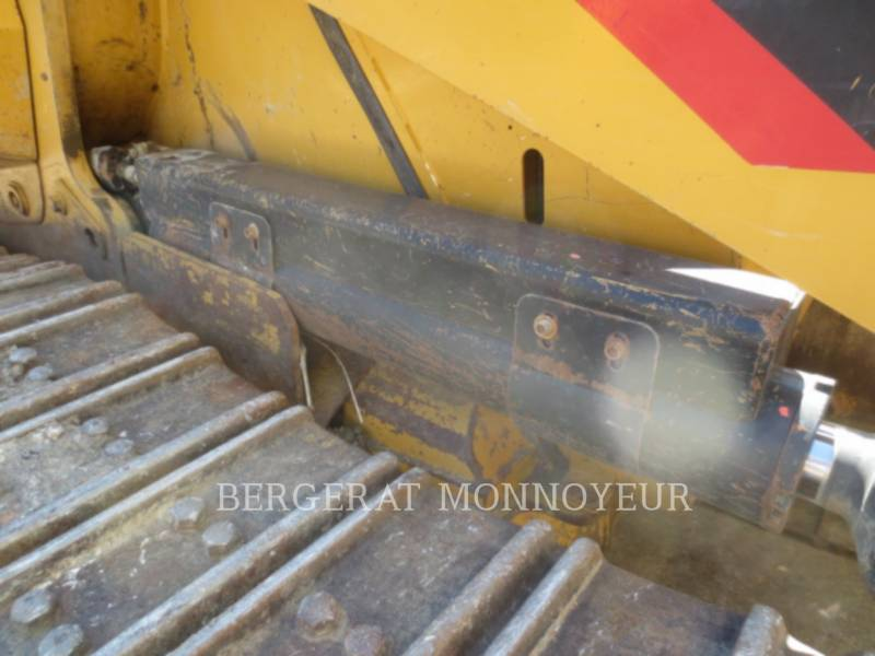 CATERPILLAR CARGADORES DE CADENAS 963D equipment  photo 12