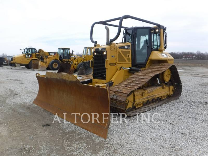 CATERPILLAR TRACTEURS SUR CHAINES D6N LGP equipment  photo 1