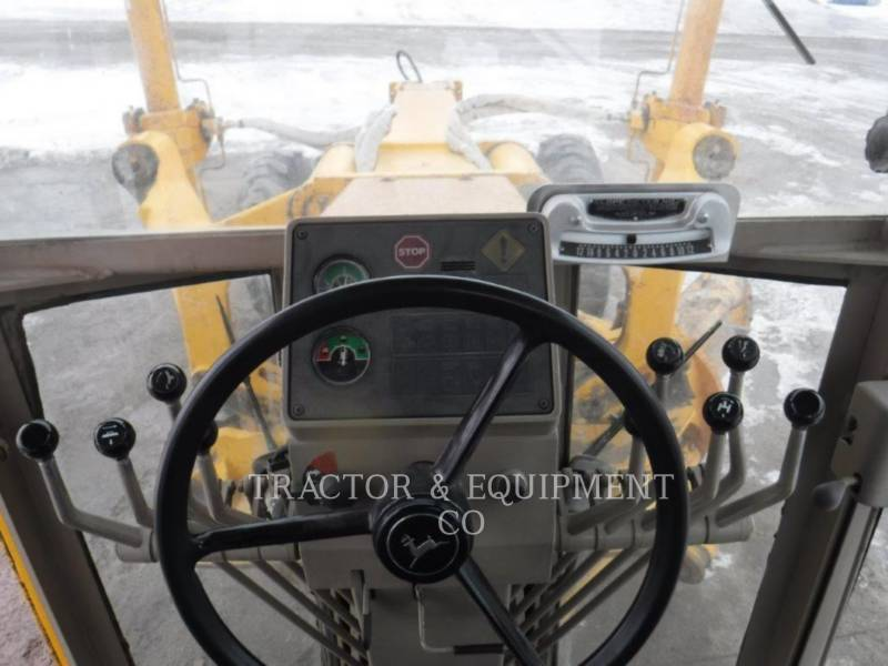 JOHN DEERE NIVELEUSES 772BH equipment  photo 15