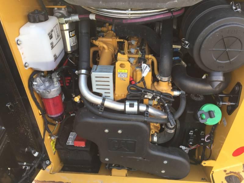 Caterpillar MINIÎNCĂRCĂTOARE RIGIDE MULTIFUNCŢIONALE 242D equipment  photo 14