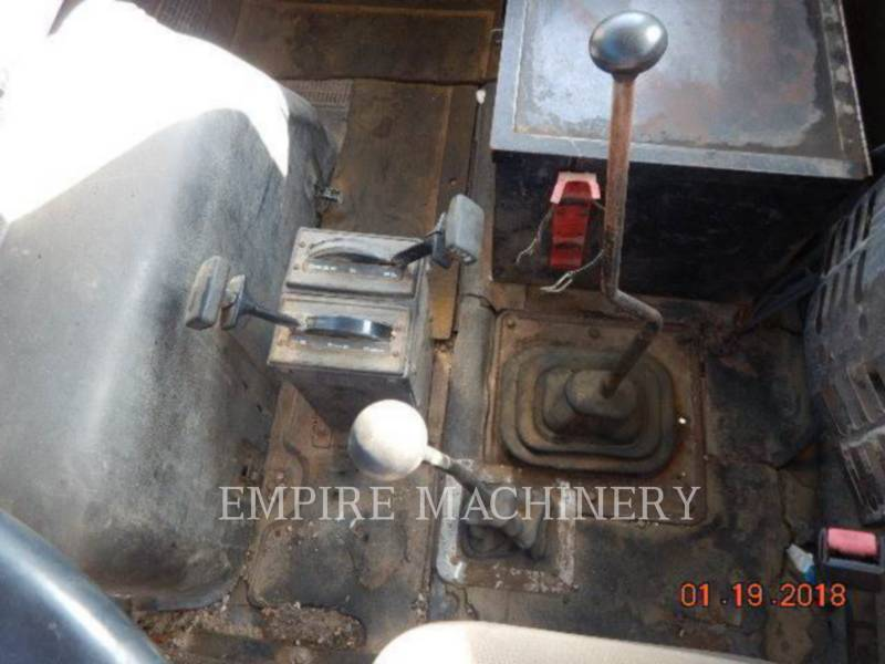 INTERNATIONAL OTROS DUMP TRUCK equipment  photo 8