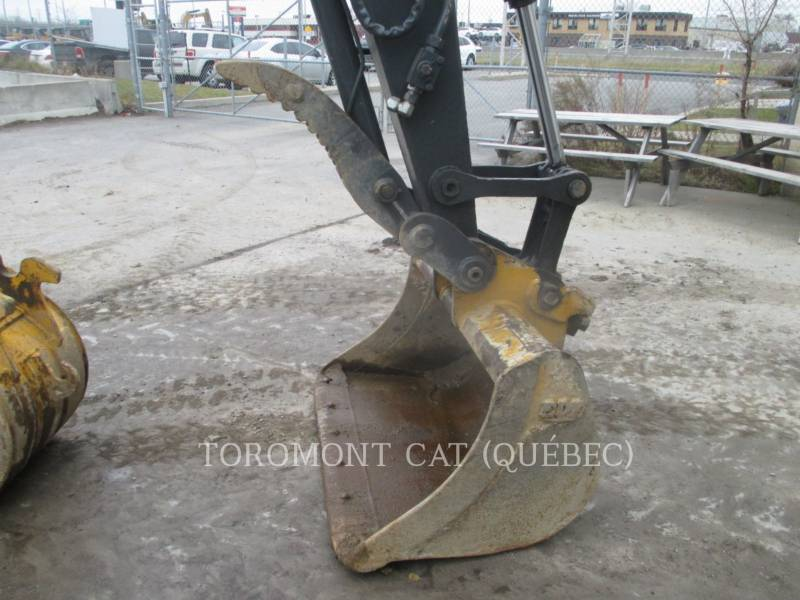 JOHN DEERE PELLES SUR CHAINES 85D equipment  photo 14
