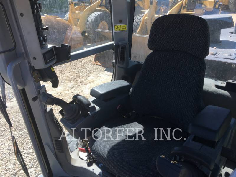 CATERPILLAR NIVELEUSES 14M equipment  photo 5