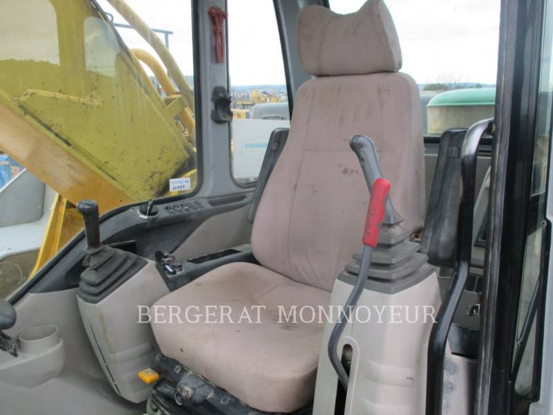 NEW HOLLAND KETTEN-HYDRAULIKBAGGER E385 equipment  photo 10