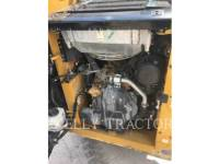 CATERPILLAR SKID STEER LOADERS 232 D equipment  photo 9