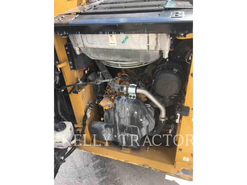CATERPILLAR MINICARGADORAS 232 D equipment  photo 9