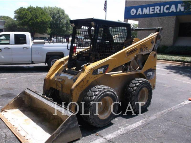 CATERPILLAR CHARGEURS COMPACTS RIGIDES 252B3 equipment  photo 2
