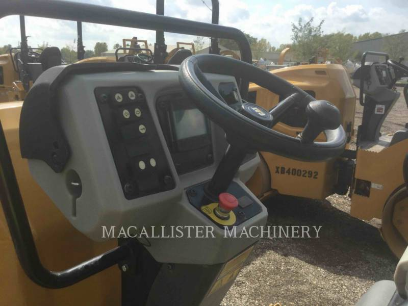 CATERPILLAR TANDEMOWY WALEC WIBRACYJNY DO ASFALTU (STAL-STAL) CB24B equipment  photo 20