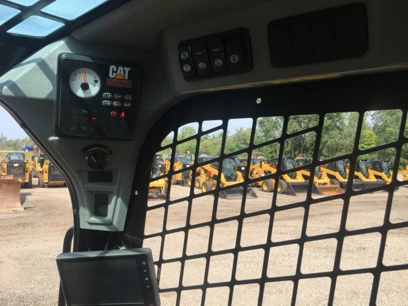 CATERPILLAR SKID STEER LOADERS 236D equipment  photo 21